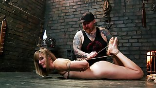 Daunting slave grounding session for submissive Mona Wales