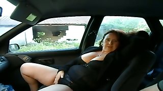 This busty mature woman wants me to simian her pussy in my car