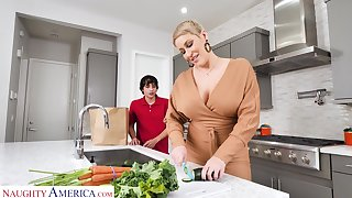 Hot mature mom Ryan Keely bangs nerd 19 yo stepson in someone's skin kitchen
