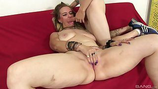 After dick eating Lillith Lust can't wait to jump on a firm penis