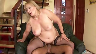 Chubby mature Eva gets say no to wet pussy pounded like never before