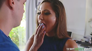 Cum-thirsty mommy Reena Sky gives a deepthroat blowjob fro her stepson