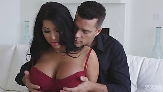 Hot MILFie Latina beauty with giant boobies August Taylor wanna some sideways fuck