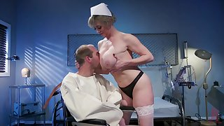 Mature nurse makes man to feel estimable again appropriate to to a good fuck
